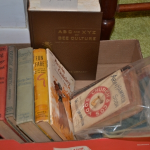 Cainsville Rd Lebanon TN Estate Auction Antique Books |