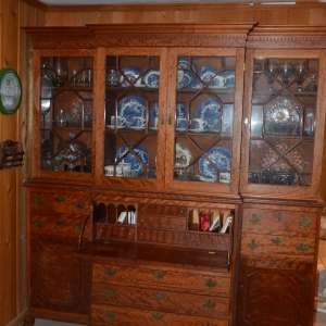 Cainsville Rd Lebanon TN Estate Auction Antique Cabinet |