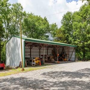 Open Storage Barn   545 Puryears Bend Rd  Hartsville TNMany Possibilities!