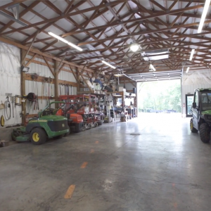 Fully Equipped Office and Workshop   545 Puryears Bend Rd  Hartsville TNMany Possibilities!