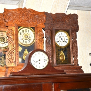 Mantle Clocks | Ansonia Metal Mantle Clock and Other Mantle ClocksReynolds Absolute Auction