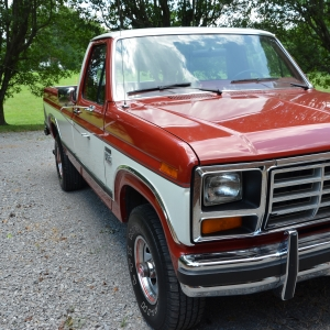 1986 Ford F150 Lariat XLT  58 HO  Automatic  4x4  42959 miles   1986 Ford F150 Lariat XLT  5.8 H.O.  Automatic  4x4  42,959 miles