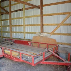 Hay Wagon  Saundersville Ferry Auction | 16' Flat Hay Wagon