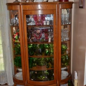 1622 Woodside Dr | Furniture  Glassware